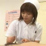手コキで精液採取する看護婦さん