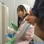 早乙女ルイ 勃起チンポに目をいや心を奪われるトイレの清掃婦のフェラ