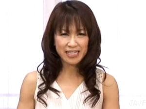 鏡涼子 48歳美熟女のフェラ抜き口内発射!