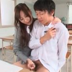 辰巳ゆい 囁き淫語で生徒のチンポを手コキでシゴきまくる痴女教師