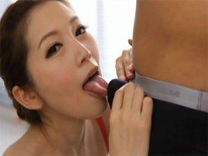 【小川あさ美】一心不乱にしゃぶりまくる美女のお掃除フェラ