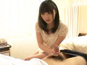 【安達柚奈】憧れのAV女優にフェラ抜きしてもらう男性患者