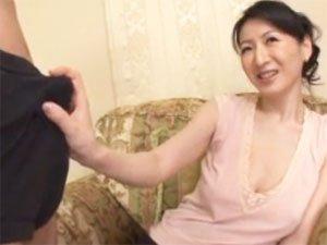 【大橋ひとみ】美熟女がねっとりフェラからパイズリ射精!