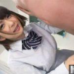 【麻里梨夏】右手にディルド左手にチンポで同時に手コキする女子校生