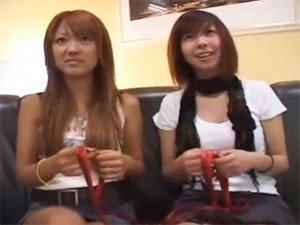 チンポを見たがる渋谷でナンパされた素人ギャル2人組