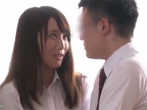 童貞教え子に恋する女教師 倉田まお