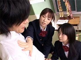 女子校生たち